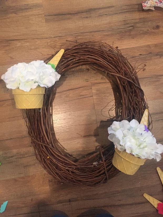 Ice Cream Wreath 1
